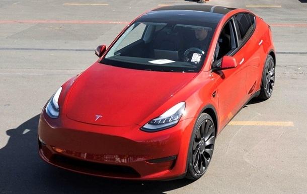 «Tesla» миллионинчи электромобилини чиқарди