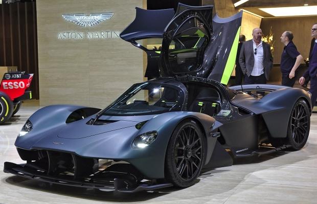 Уч млн евролик машина. Aston Martin гиперкари илк бор синовдан ўтказилди (фото)