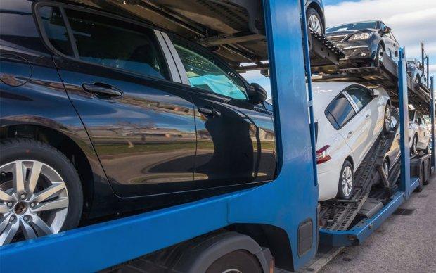 Енгил автомобиллар импорти 300 млн доллардан ошди