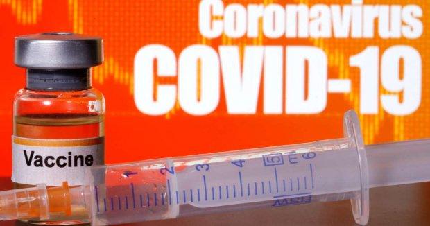 Британияда ишлаб чиқилган коронавирусга қарши вакцина одамларда синаб кўрилиши эълон қилинди