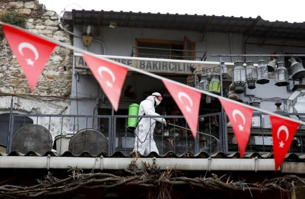 Turkiya iyundan xorijlik turistlarni qabul qilishni rejalashtirmoqda