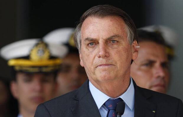 Бразилия президенти мажбурий ниқоб тақиш тўғрисидаги қонунни бекор қилди