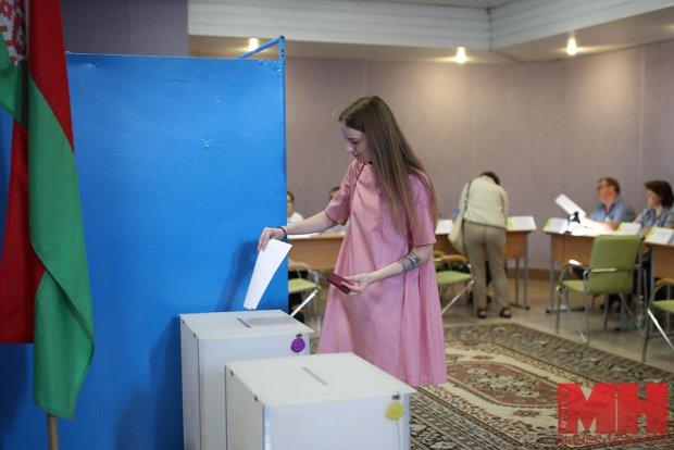 Беларусда президент сайловлари тугади: exit poll маълумотлари пайдо бўлди
