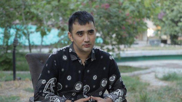 Aziz Rametov «Ummon» guruhi, aktyor Tal'at Yo'ldoshev va boshlovchi Zara bilan janjallariga oydinlik kiritdi (video)