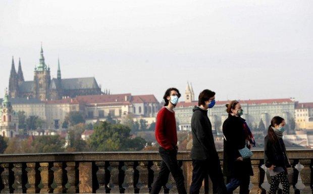 Словения ва Чехияда коронавирус сабабли комендантлик соати киритилди