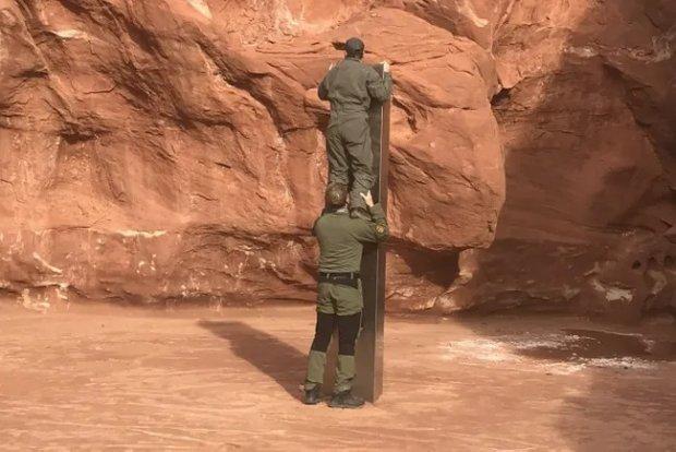 AQSHdagi cho'ldan topilgan 3 metrli sirli tarixiy monolit yo'qolib qoldi