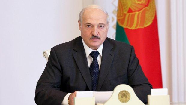 Lukashenko: «O'tgan yil bizlarga niqob taqdi, biroq ayrimlarning yuzidagi niqobni sidirib tashladi»