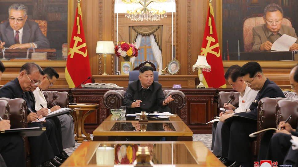 Ким Чен Ин Путинни «Россия куни» билан табриклади