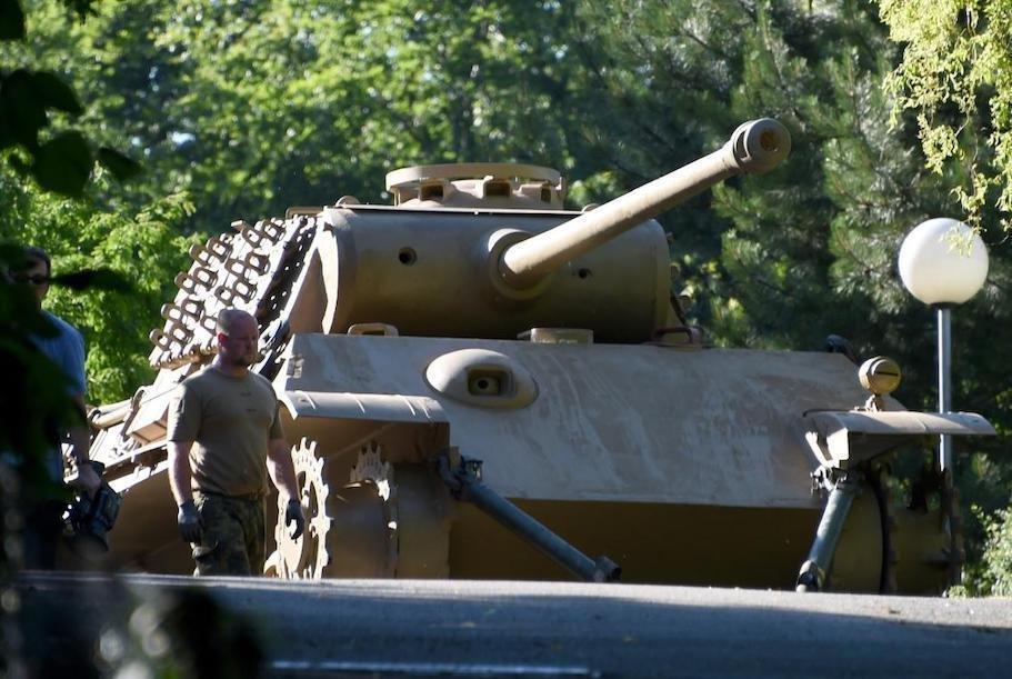 Германияда нафақахўр эркакнинг уйи ертўласидан Иккинчи жаҳон уруши даврига тегишли танк топилди