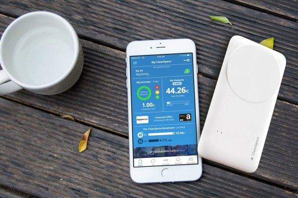 """Britaniyaning sobiq vaziri Wi-Fi va 4G'dan gadjetlarni quvvatlantirish uchun energiya """"so'rib olish"""" yo'lini kashf qildi"""