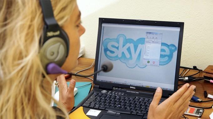 Skype Parijdagi teraktlar sabab Fransiyada qo'ng'iroqlarni bepul qildi